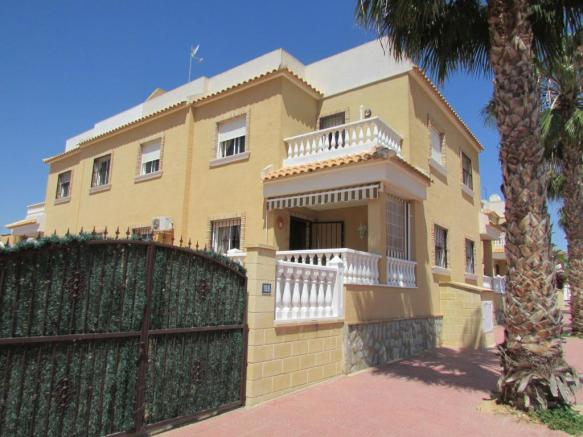 Detached Villa in Quesada