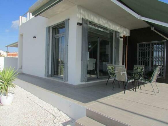 Semi-Detached Villa in Benijofar, Alicante