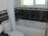 3 bed Flat in Balcurvie Road, Glasgow...