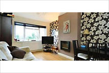 Maisonette to rent in Heatham Park, Twickenham...