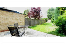 5 bedroom Terraced property in Hamilton Road, London...