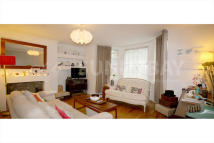 2 bed Ground Flat in St. Peters Road, Croydon...