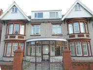 Flat to rent in King George Avenue...