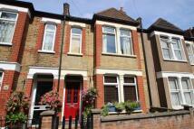 3 bed Terraced property in Fernbrook Road, London