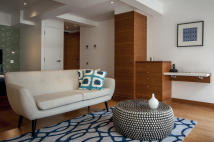 Serviced Apartments to rent in India Street, London...
