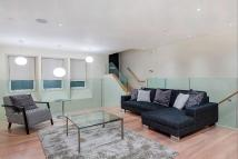 3 bed Apartment to rent in Lovat Lane, London, EC3R