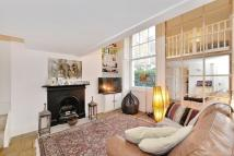 Maisonette to rent in Crescent Grove, London...