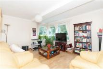 2 bedroom Apartment in Tadworth House ...