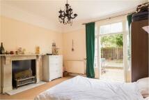 4 bedroom home in Doddington Grove London ...