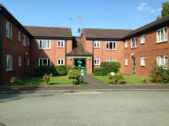 1 bed Ground Flat in Western Court, Chester...