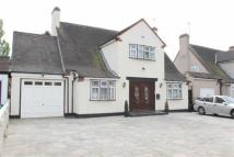 6 bed Detached property for sale in Parkway, Ilford, IG3