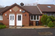 Bungalow to rent in Rownhams