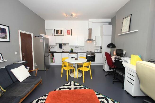 Lounge/Kitchen2