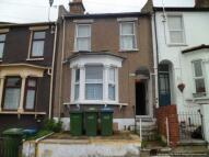 4 bedroom Terraced property in Bramblebury Road...