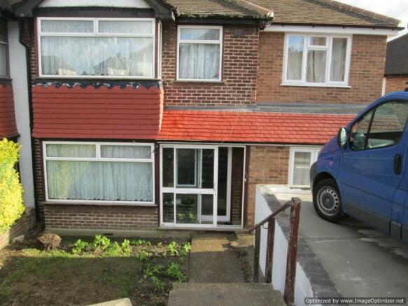3 Bedroom Terraced House To Rent In Swingate Lane Plumstead Se18