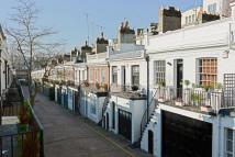 Mews to rent in Holland Park Mews...