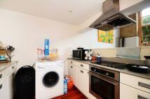 2 bedroom Flat in Clark Street, London, E1