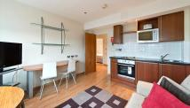 2 bedroom Apartment in Roland House...