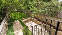 Apartment to rent in Lexham Gardens...