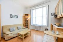 Studio flat in Belgrave Road, Pimlico...