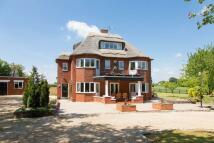 6 bed Detached house for sale in Burston, Norfolk