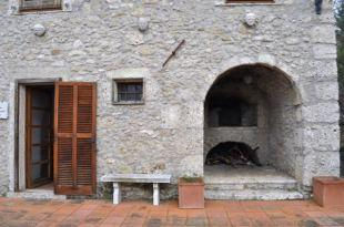 Built in wood oven