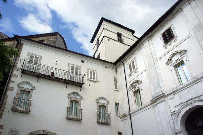 Palazzo G. Cesari