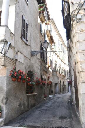 'Colle' street scene