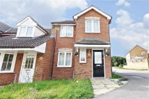 3 bed End of Terrace house in Lodge Way...