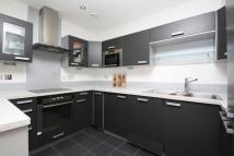 3 bed Studio flat in Capital East...