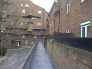 Flat in Ray Walk Andover Estate...