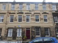 Cumberland Street Flat to rent
