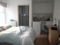 Studio flat to rent in North Luton Place, Roath...