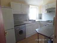 Flat to rent in City Road, Cathays...