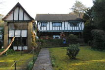 5 bed Detached property in South Croydon