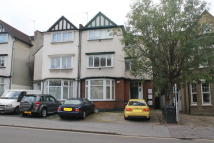 Apartment to rent in Friends Road, Croydon