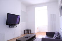 2 bedroom Ground Flat in HAZLITT ROAD, London, W14