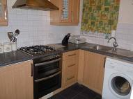2 bedroom Flat in CHEAM COMMON ROAD...