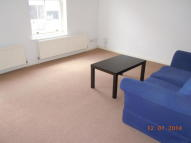 Flat to rent in Eton Street, Richmond...