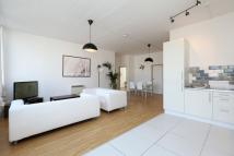 4 bedroom Flat to rent in Long Street, Shoreditch...