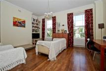 Apartment to rent in Mildmay Grove South...