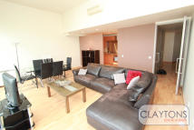 2 bed Apartment in Penthouse, City Road...