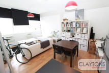 Apartment to rent in Long Street, Shoreditch...