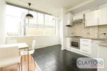 2 bedroom Flat in Long Street, Shoreditch...