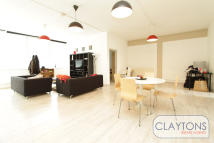 4 bed Apartment to rent in Long Street, Shoreditch...
