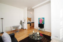 Apartment to rent in CAXTON STREET, London...