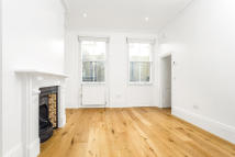 1 bed Apartment in Floral Street...