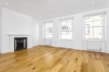 2 bedroom Apartment in Floral Street...