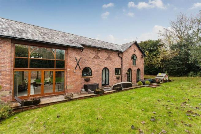 4 Bedroom Barn Conversion For Sale In Altrincham Road