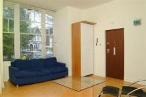 Studio flat to rent in Castelnau